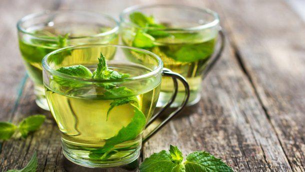Зеленый чай может убить бактерии, что улучшает здоровье зубов и снижает риск заражения
