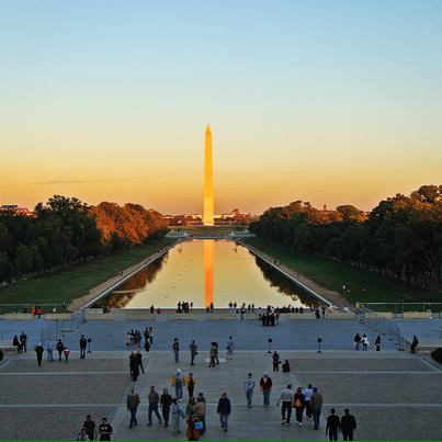 Америка с компанией Новая Эра Монумент Вашингтону