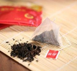 Черный чай для человека